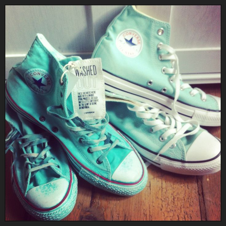 Turquoise converse shoes. This is one of my favorite colors too!
