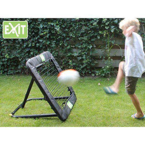 Exit Kickback rebounder on pienen jalkapalloilijan paras treenikaveri. Tutustu ja tilaa : http://goo.gl/vr8Nj3