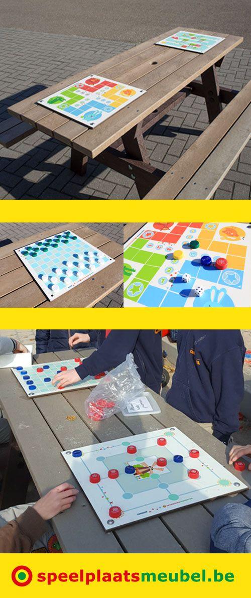 Back to basics, bordspellen op de speelplaats! Te monteren op picknicktafels van Govaplast Play. Gemaakt uit superdegelijk 8mm volkernplaten, 42 cm breed. Geschikt voor buiten, bedrukking onder krasbestendige beschermlaag. 8 verschillende spellen beschikbaar (Ganzenbord, Ladderspel, Mens-erger-je-niet, Fanorona, Molenspel, Dambord, Halma & Petteia) Montage met RVS bouten zonder de tafels te beschadigen. Geen gedoe met pionnen, gewoon flesdopjes sparen!