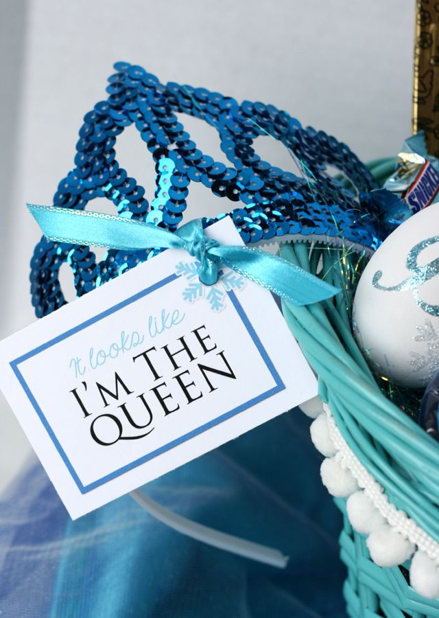 Loving these ideas for an Elsa Easter basket for a tween!