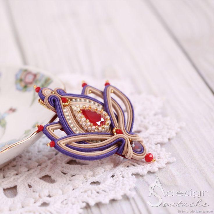 Вышитая брошь из бисера, сутажная брошь, брошь цветок, яркая брошь, брошь на платье, брошь в подарок, подарок на 8 марта, брошь кулон