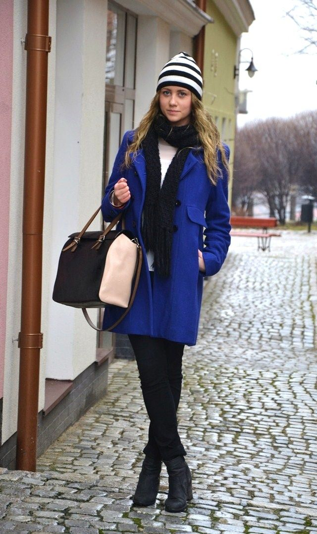 Kobaltowy płaszczyk - pamiętamy tamtą jesień! :) Na zdjęciu blogerka Flavor of Fashion http://flavor-of-fashion.blogspot.com/2013/02/now-maybe-cobalt.html  #danhen #moda #stylizacje #jesien #plaszcze #kobalt