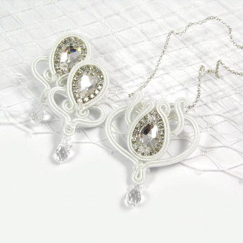 Panna Młoda jak z bajki! Fairytale bride! www.pillowdesign.pl #bride #bridal #wedding #bridaljewelry #pannamłoda #ślub #biżuteriaśłubna