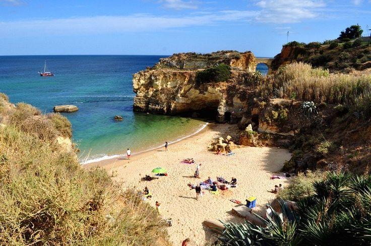 Praias mais bonitas da Região de Algarve em Portugal - Praia dos Estudantes em Lagos