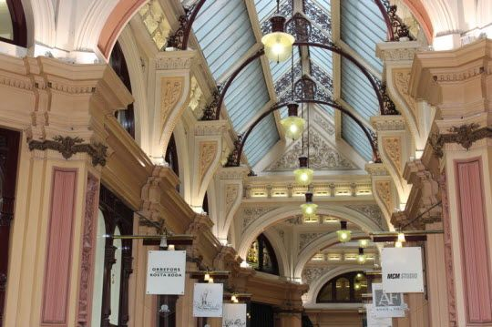 Discover Melbourne's Lanes and Arcades http://thingstodo.viator.com/melbourne/melbournes-lanes-and-arcades/