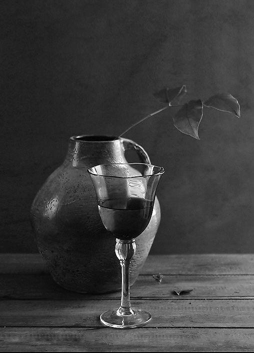 #still #life #photography • photo: Этюд с бокалом | photographer: Victoria Dumesh (Беляева) | WWW.PHOTODOM.COM