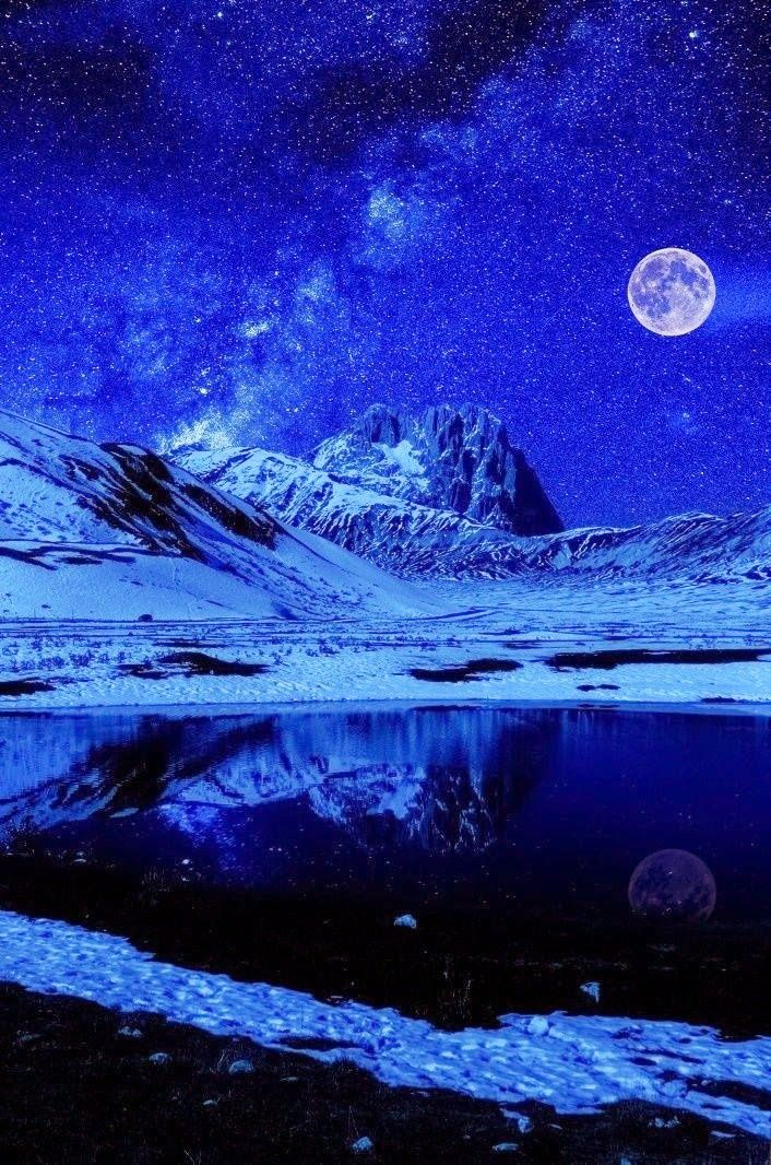 Night sky lights Stanton Mountain from Lake McDonald at Glacier National Park in northwestern Montana Moon - Night sky lights Night sky lig...