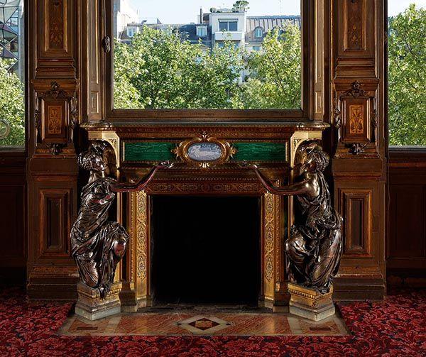 Malachite plated fireplace of the Païva Hotel, 1856-1866, Paris. #malachite #paiva #paris #19thcentury #art #fireplace #champselysees