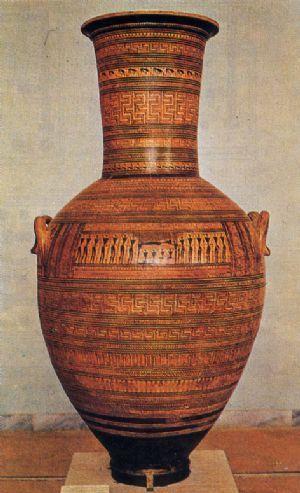 Anfora del Dipylon, risale al VII secolo a.C. (760-750 a.C. circa).E' fatto in ceramica dipinta. E' stato ritrovato nella necropoli del Dipylon, ad Atene. Attualmente è conservata nel Museo Archeologico Nazionale di Atene. L'anfora del Dipylon, ritrovata vicino ad una delle due porte che caratterizzavano il cimitero omonimo, aveva funzione funeraria, si trattava del segnacolo di una tomba.