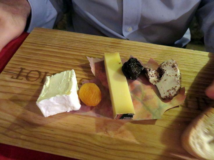 Brillat-Savarin, Comté, Délice de Pommard / The cheese plate at the excellent Le Conty in Beaune. Get a table in the wine cellar. / L'assiette de fromage à l'excellent Le Conty à Beaune. Conseil : reserver dans leur caveau.