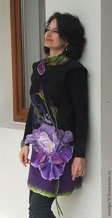 Купить или заказать туника 'Mon Iris' в интернет-магазине на Ярмарке Мастеров. Обычно, после слова 'mon', так и хочется добавить 'amour'-)) Вот, это и есть он самый, мой цветочной amour, мое цветочное plaisir - Ирис. Для меня, цветок совершенно особенный, сказочно-загадочный, пластичный в линиях и необыкновенно притягательный в своих невероятных оттенках. Все это я и попыталась отобразить в шерсти и шелке. Может быть как туникой, так и платьем (длина 83 см) Повторов бо...