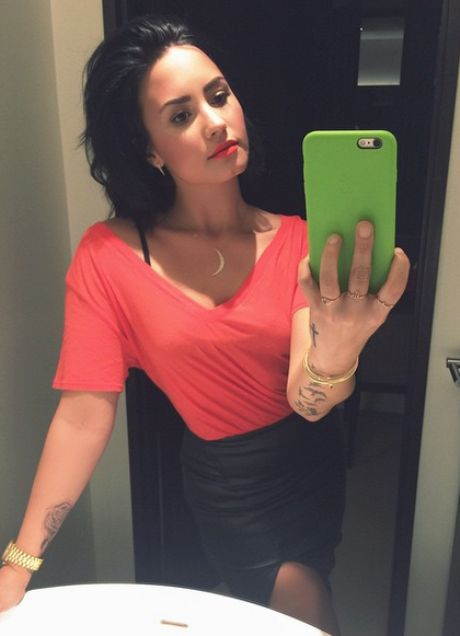 Demi 'These Girls Always Had My Back' - http://oceanup.com/2015/05/08/demi-these-girls-always-had-my-back/