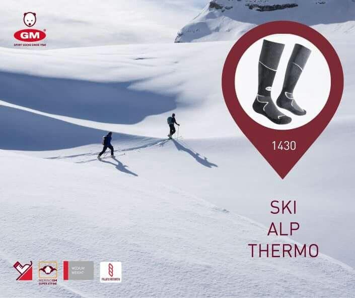 #skialp #merinoextrafine #merinosocks #skialpsocks #scialpinismo #skialpers #skitouring #snowlife #skitour #mountainlovers #skimountaineering #madeinitaly #calzeitaliane #CALZEGM