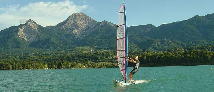 Surfen und Segeln lernen am Faaker See