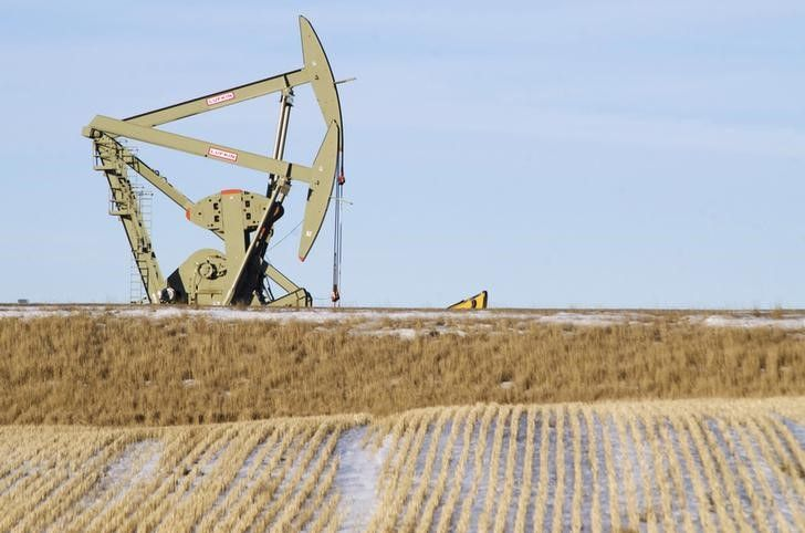 #Oil #prices fell on Monday as concerns of global oversupply, a firmer dollar and lacklustre U.S. nonfarm payroll data on Friday weighed on oil markets. The long Labor Day holiday in the United States may also lead to thin trading later in the session.