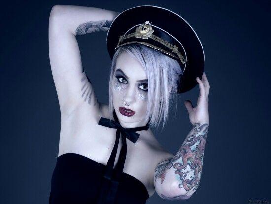 model: Heidi Ariélle Nestaker  Photo: Tore hansen  makeup: Frida V Nyxen - Nyxen image