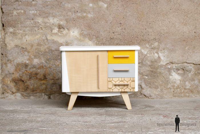 GENTLEMEN DESIGNERS //Petit meuble d'appoint vintage en bois, relooké, jaune et blanc
