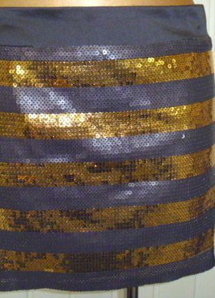 Kup mój przedmiot na #vintedpl http://www.vinted.pl/damska-odziez/spodnice/13263831-imprezowa-spodnica-w-zlote-i-czarne-cekiny
