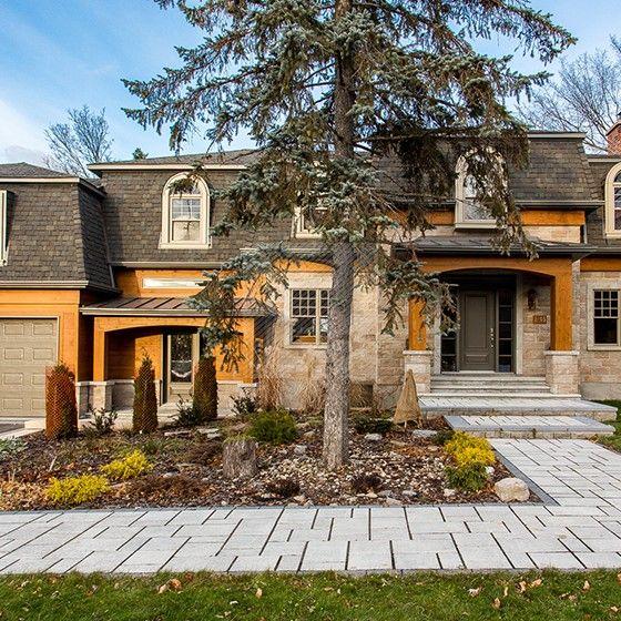 Agrandissement et nouvelle configuration complète d'une résidence unifamiliale. Remplacement des revêtements. http://www.s-a2.com/projet/sa2_11-107/