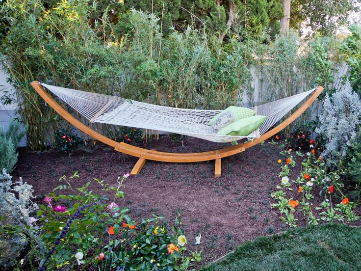 Outdoor Lounging Spaces: Daybeds, Hammocks, Canopies And More