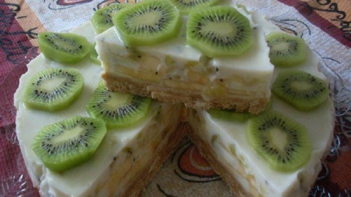 Nepečená jogurtovo - banánová kivi torta