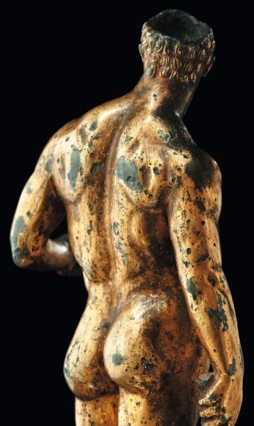 - Néolithique & Antiquité classique Mercure de Bavay. Exceptionnelle statuette représentant le dieu Mercure. Il est nu, debout, déhanché, en appui sur la jambe droite, la gauche légèrement fléchie. Il tient&hellip ./tcc/