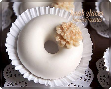 k3ik3ates au glaçage - Biscuits fondants à l'amande et fleur d'oranger glacés au sucre