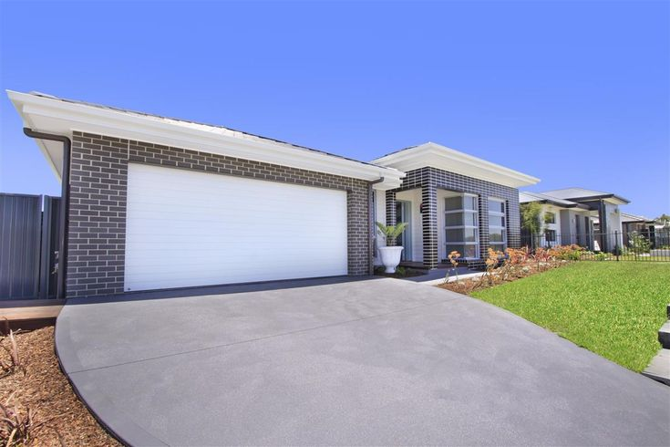 G.J. Gardner Homes Shoalhaven - Display Home, The Coolum 20 Firetail Street, South Nowra, NSW, 2541