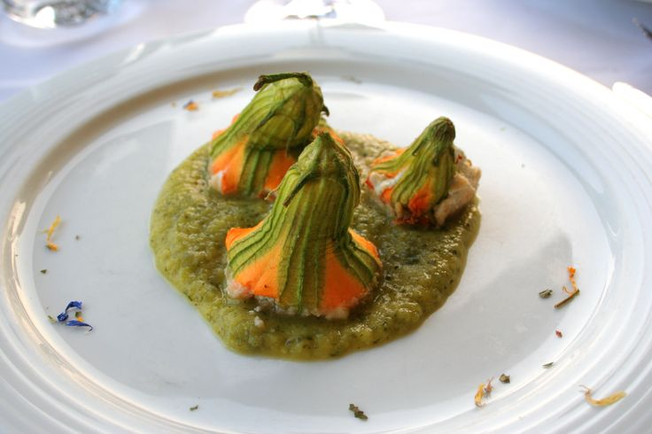 Divine Stuffed Zucchini Flowers at Asolo Italy. #italianfood #italy #zucchiniflowers #asolo #entree