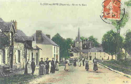 St Jean sur Erve - Route du Mans (vers 1920)