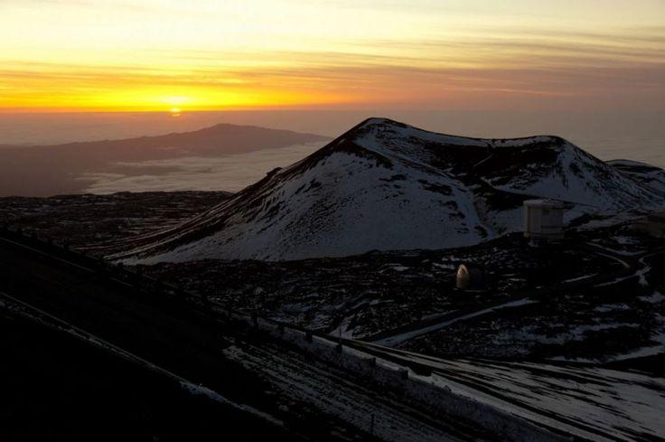 Snow Covered Hawaiian Sunset | Picfari.com