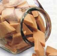 Ingredientes: *8 tzas de leche *7 tzas de azúcar *pizca de bicarbonato de sodio Hervir la leche con el azúcar revolviendo contínuament...