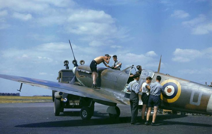 Spitfire with ground crew from LIFE Magazine