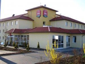 Übernachten Sie im 2 Sterne Hotel Ibis Köln Airport inkl. 15 Tage Parken schon ab 109,- € (Geld-zurück-Garantie*)! Park sleep fly - Webmobilisten GmbH München