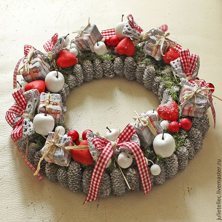 """Купить Рождественский венок """"Алиса"""" - ярко-красный, серый, венок на дверь, Новый Год, рождество"""