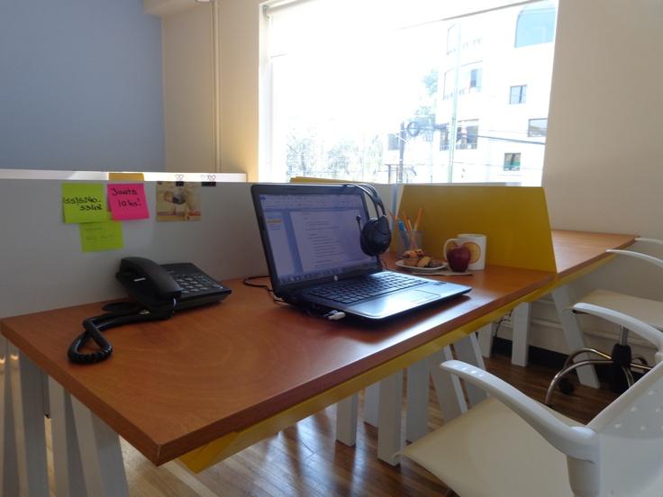 Puestos fijos  Puedes tener tu propio escritorio con cajón con llave, locker, teléfono y también puedes usar el espacio abierto