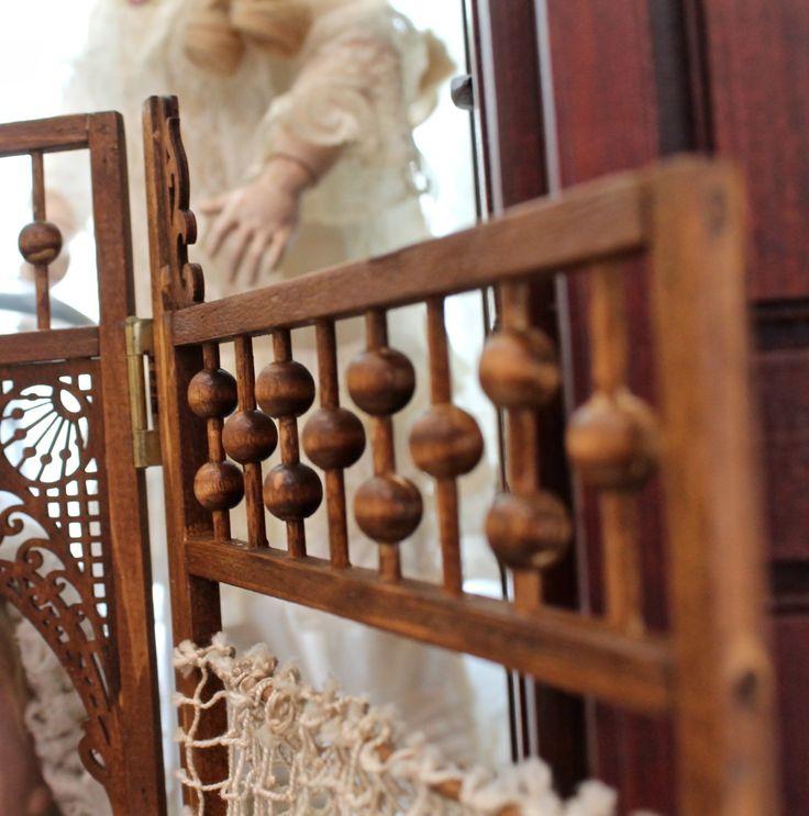 #poupées #poupée #antiques #antique #classique #collection #collectionneur #retro #acheter #vendre #àvendre #vente #meubles #mobilier #bois