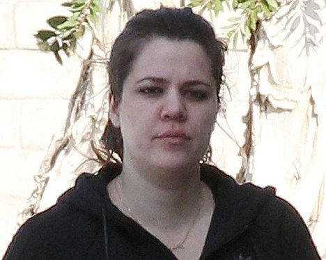 what does kim kardashian look like without make up | Khloe Kardashian Without Makeup: Walks Out With No Makeup On ...