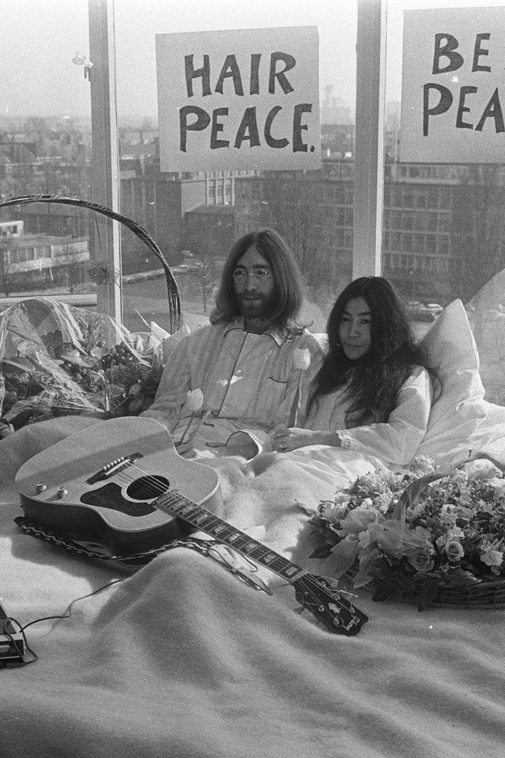 John Lennon And Yoko Ono S Hilton Amsterdam Bed In For Peace Turns 50 John Lennon And Yoko Yoko John Lennon
