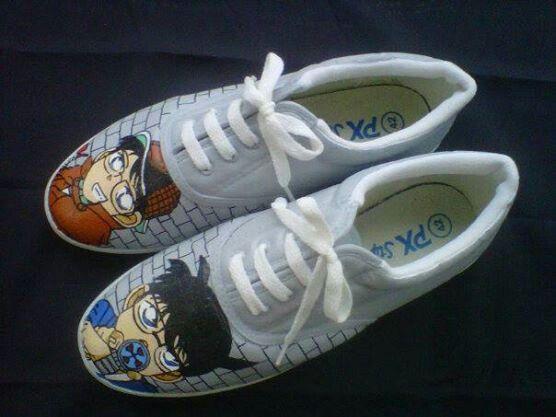 Painting shoes @creativeboutique #conan 26-35 = 125k 36-43 = 135k