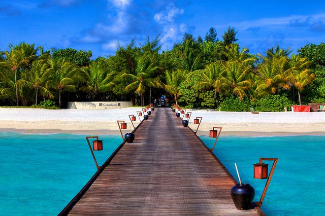 How to Travel Maldives on a Budget