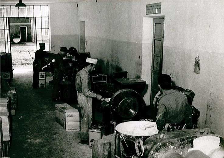 Production in the '50s #lab #vintage #b&w #blackandwhite #colors #varnishes #paints #50s