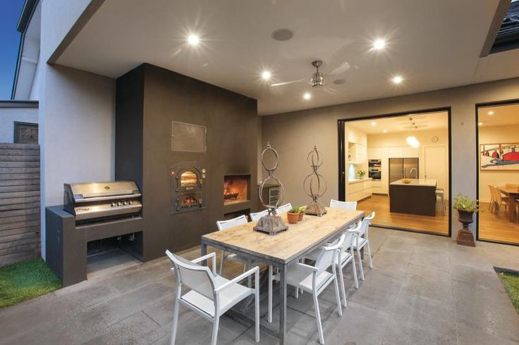 Love the bbq, pizza oven and fire place!!