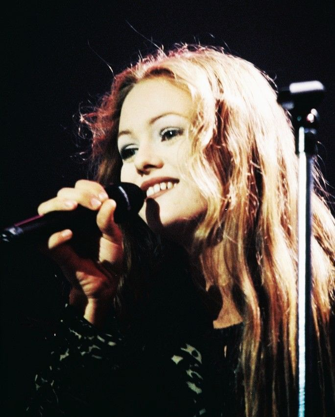 Find Myself Obsessing Over The Black And White Buffalo: 912 Best Images About Vanessa Paradis On Pinterest