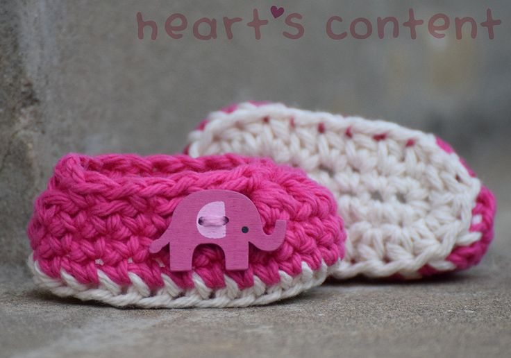 Pink baby booties / baby shoes adorned with an Elephant button. Cotton crochet baby booties. An adorable baby gift ☺ #cute