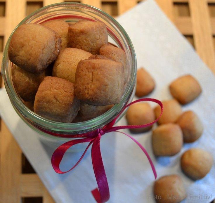 Her får du opskriften på verdens bedste pebernødder fra Lagkagehuset. De er godt krydrede, sprøde, lækre og dejligt nemme at lave.
