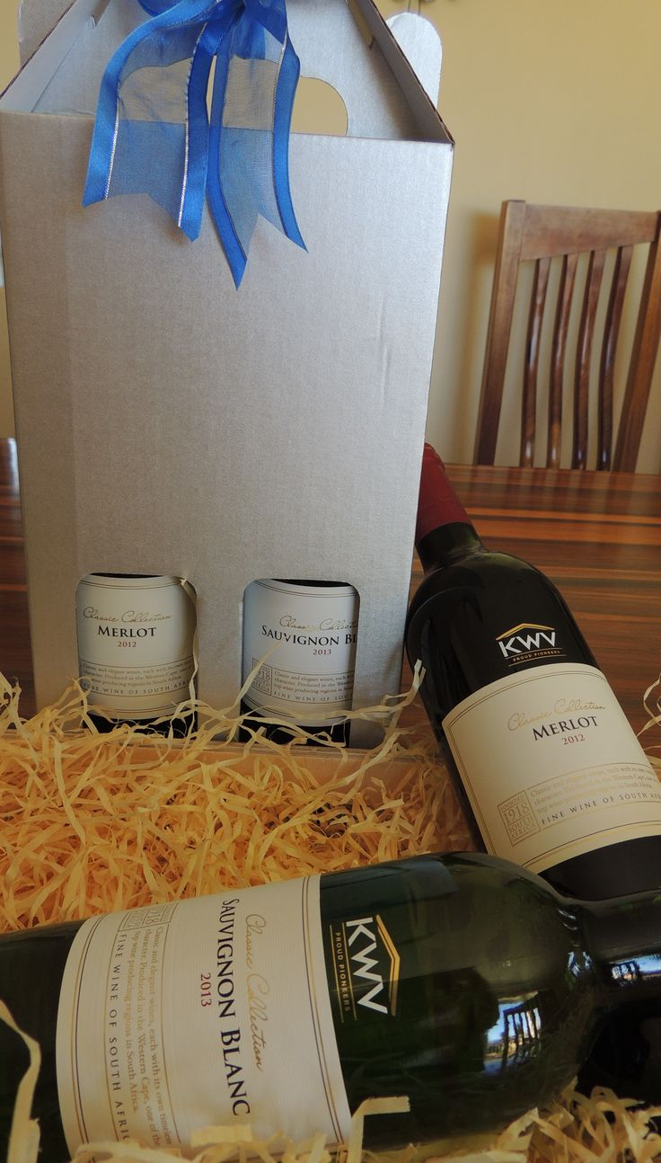 Wine box with a bottle of white wine and a bottle of red wine