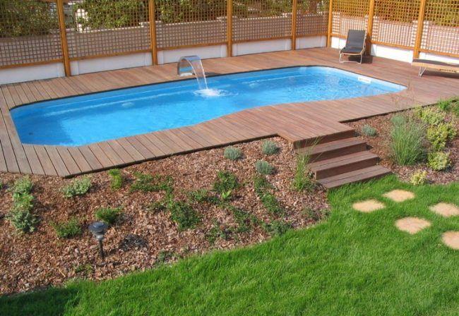Swimmingpool holz  swimmingpool-eigenen-garten-wasserspeier-holz-terrassenbelag ...