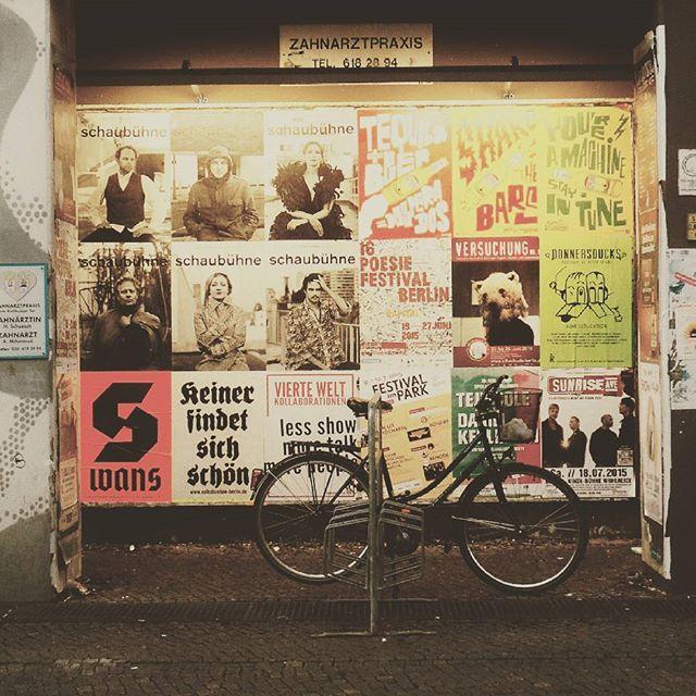 Bicycle by @laciudadalinsta  #berlin #alemania #instagram #ig_europe #igers #ig_berlincity #huntgram
