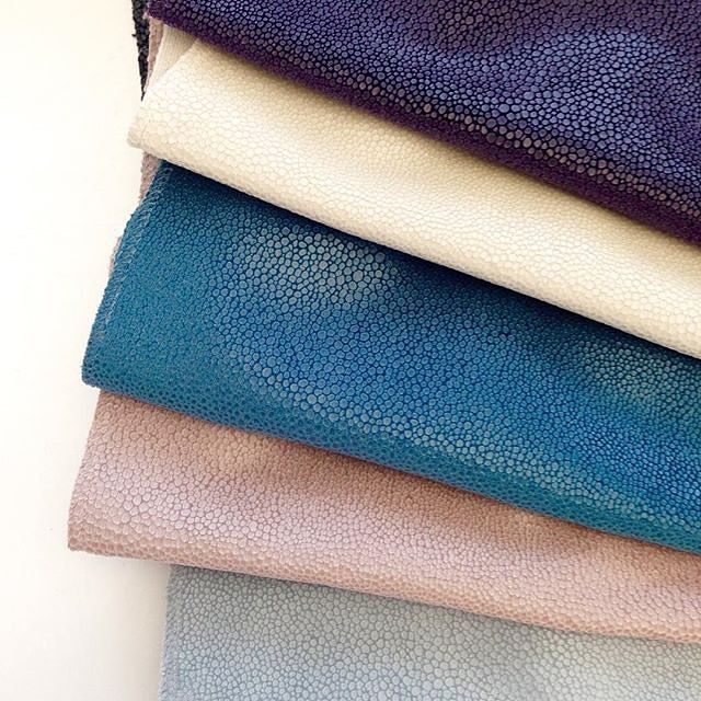 Luminous colors with our fabric #Shagreen from Métaphores.  The effect is made by printing our cotton velvet quality #Amazonie, through which the appearing hair between the thin scales is amazingly soft.  #creationsmetaphores #metaphores #homedeco #architexture #homestyling #pinterest #igers #inspiration #interiordesign #designpics #decoration #frenchdesign #homeinterior #insta_fabric #designideas #interiorinspiration #instadesign #homeadore #fabricdesign #luxurydesign #designers #interiors…